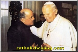 Father Gobbi meets the Pope